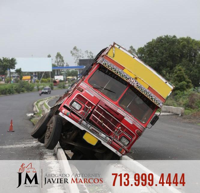Abogado de accidentes de camiones | Abogado Javier Marcos | 713.999.4444
