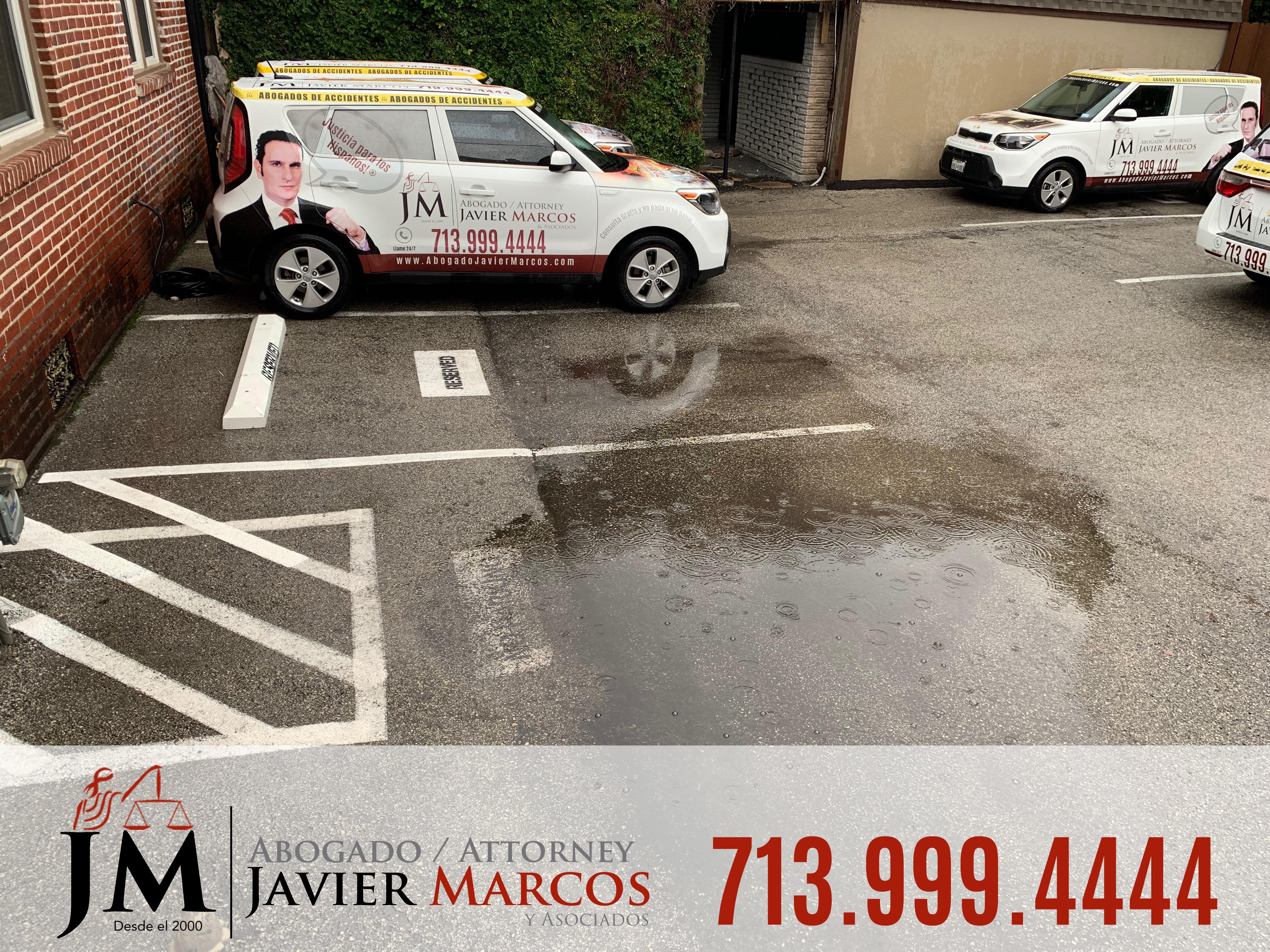 Conducir en Calles Inundadas | Abogado Javier Marcos | 713.999.4444
