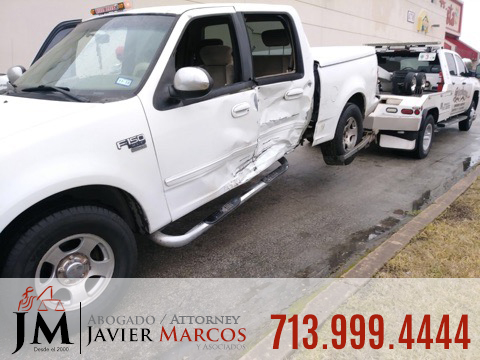 Visita el doctor despues de un accidente   Abogado Javier Marcos   713.999.4444